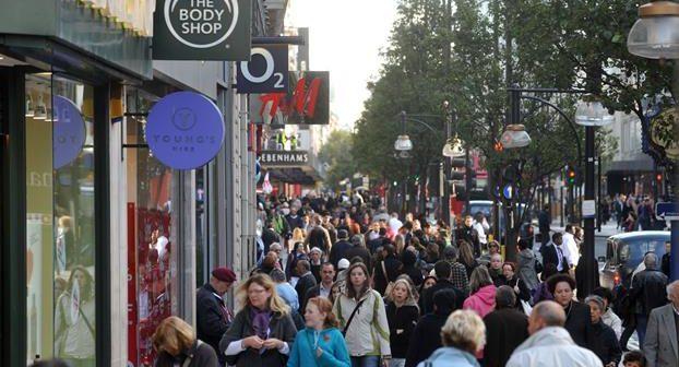 Dixons Carphone swings to a loss | London Business News