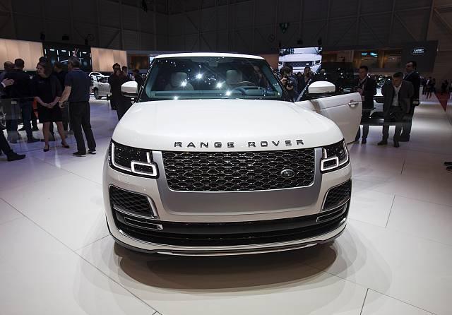 Jaguar stutters to £3.4bn loss after demand stalls